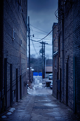 Abandoned urban alleyway - p555m1454187 by Chris Clor