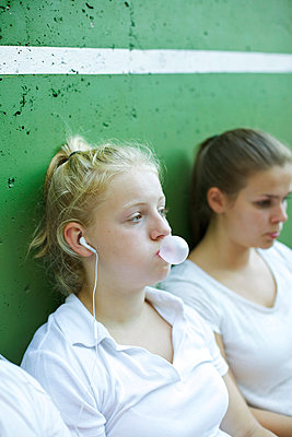 Gum bubble - p606m856102 by Iris Friedrich