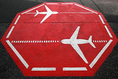 Flughafen Markierung - p902m859283 von Mölleken