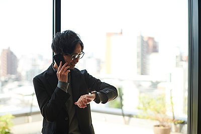 Young Japanese businessman - p307m2154280 by Score. by Aflo