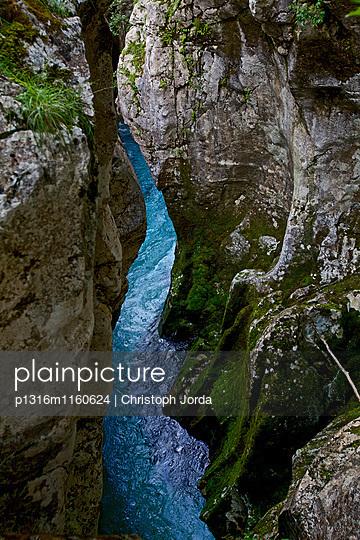 Blick auf den Fluss Soca, Alpe-Adria-Trail, Trenta, Slowenien - p1316m1160624 von Christoph Jorda