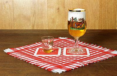 Bier und Schnaps - p1650177 von Andrea Schoenrock