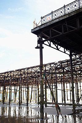 Broken pier - p464m853400 by Elektrons 08