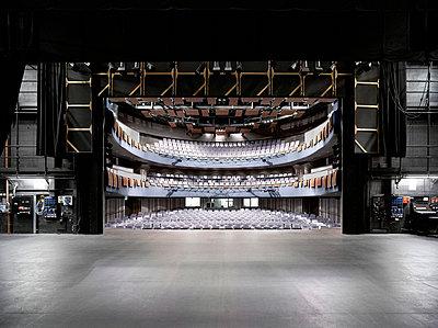 Interior of Theatre Severn, Shrewsbury, Shropshire. - p855m713256 by Daniel Hopkinson