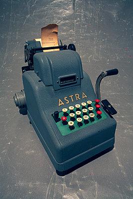Alte Rechenmaschine - p550m2273274 von Thomas Franz