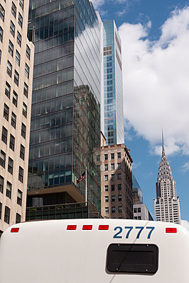 new york bus - p1340m1425997 von Christoph Lodewick