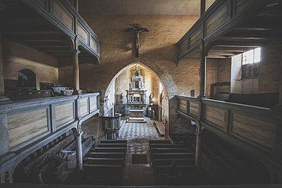 Abandoned Church - p1512m2037964 von Katrin Frohns