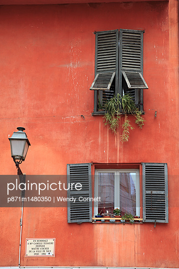Old Town, Vieux Nice, Nice, Cote d'Azur, French Riviera, Alpes Maritimes, Provence, France, Europe - p871m1480350 by Wendy Connett