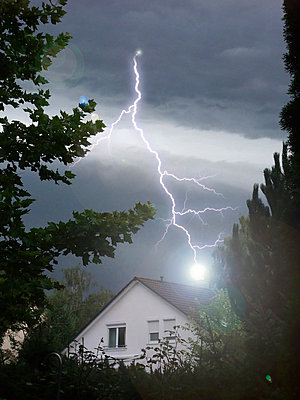 Lightning strikes into house - p4737779f by STOCK4B RF