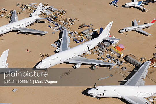 Boeing 747 scrap - p1048m1058612 by Mark Wagner