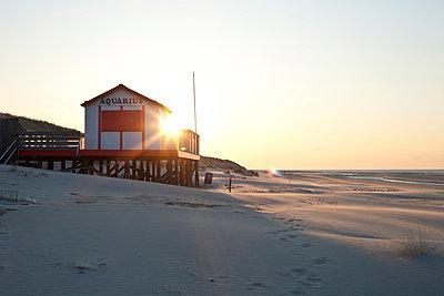 Strandhaus - p252m892805 von Jens Dommermuth
