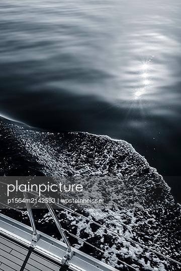 Sonnenreflexion im Meer - p1564m2142593 von wpsteinheisser