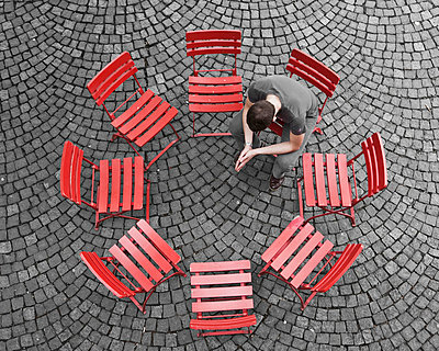 Sitting in a circle - p1078m831052 by Frauke Thielking