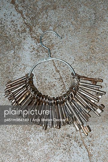 Alter Schlüsselbund - p451m984149 von Anja Weber-Decker
