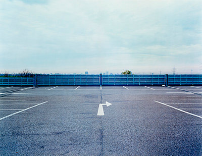 Parking lot - p2683038 by Stefan Freund