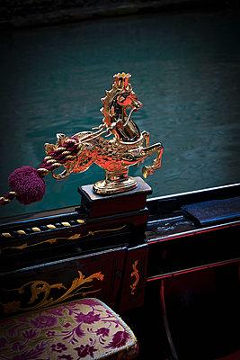 Venezianische Gondel - p1149m1332998 von Yvonne Röder