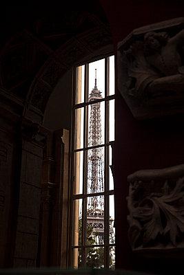 Paris - p046m792810 by Hexx