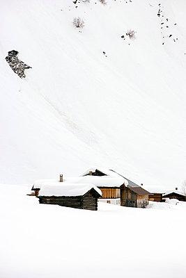 Ski Lodge - p2480669 by BY