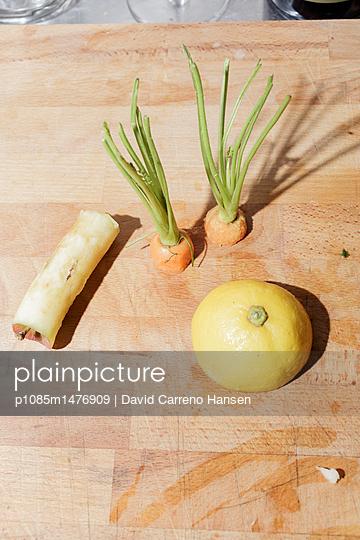 Halbiertes Gemüse - p1085m1476909 von David Carreno Hansen