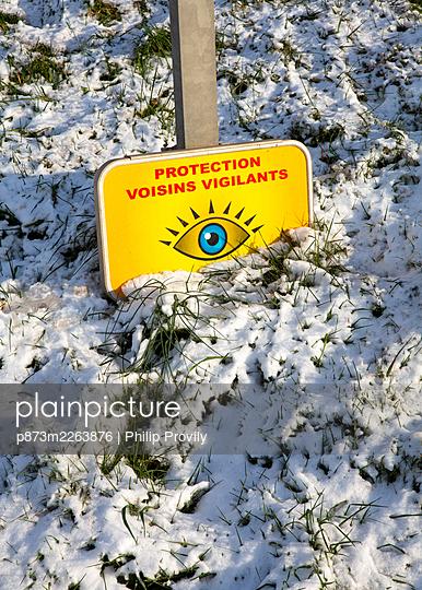 Warnschild - p873m2263876 von Philip Provily