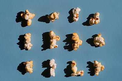 Popcorn Stillleben - p1190m2015040 von Sarah Eick