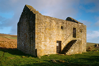 Black Middens Bastle House. View from the west. - p8551702 by Jonathan Bailey