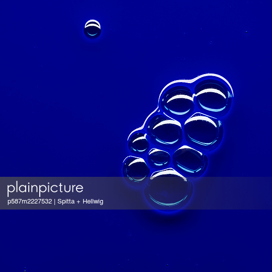 Bubbles on blue - p587m2227532 by Spitta + Hellwig