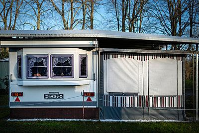 Caravan I - p227m887038 by Uwe Nölke