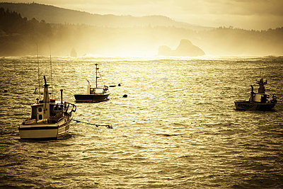 Fishing boats on the water, Trinidad, California. - p343m1033153 by Ron Koeberer