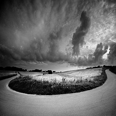 Kurve - p1137m1559139 von Yann Grancher