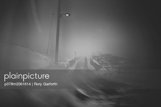 p378m2061614 von Rory Garforth
