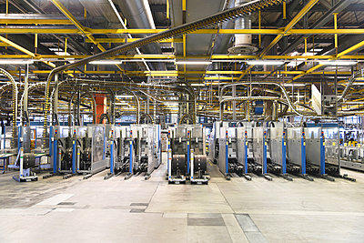 Machines for transport and sorting plant in a printing shop - p300m2104424 by Sten Schunke
