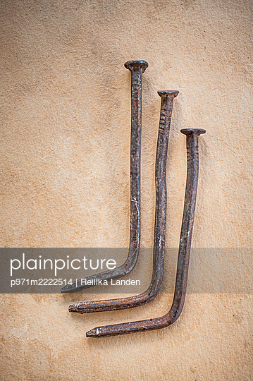 Crooked nails - p971m2222514 by Reilika Landen