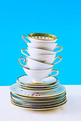 Stacked cups - p1149m2125256 by Yvonne Röder