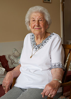 Elderly woman - p1158m966394 by Patricia Niven