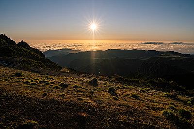 Portugal, Madeira, Pico do Arieiro - p1600m2175704 by Ole Spata