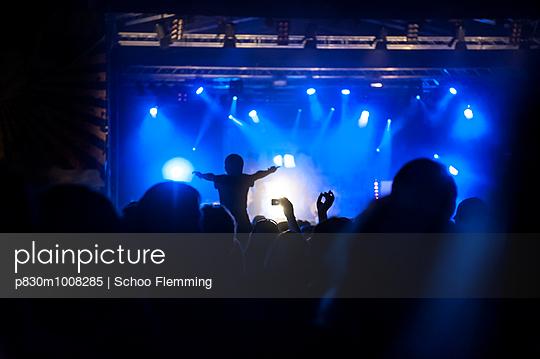 Rock concert - p830m1008285 by Schoo Flemming