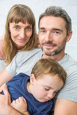 Familie mit Kleinkind - p1156m1585840 von miep
