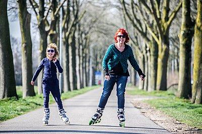 Roller skater - p896m959473 by Koen Verheijden.