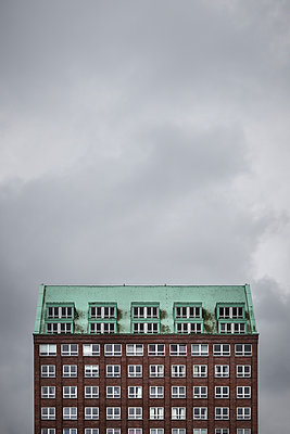 Brick building - p1256m2099749 by Sandra Jordan