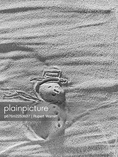 Sandman - p676m2253637 by Rupert Warren