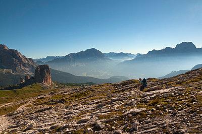 Wandern in den Dolomiten - p470m1223727 von Ingrid Michel