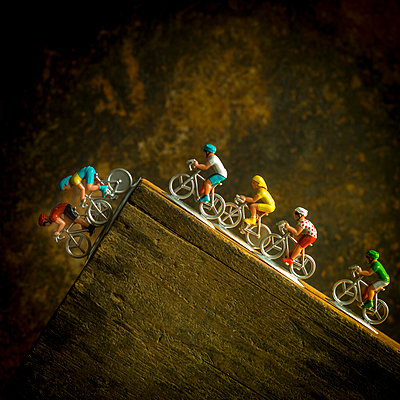 Miniature cyclists - p813m1465509 by B.Jaubert