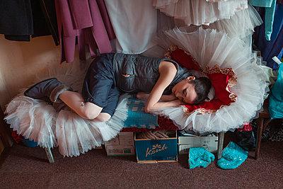 Sleeping ballerina - p1476m1553118 by Yulia Artemyeva