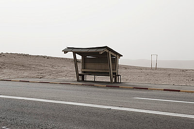 Israel, View of empty bus stop shelter - p300m879468 by Tom Hoenig