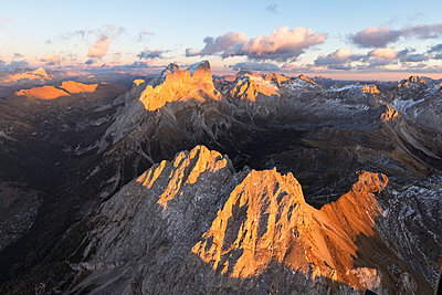 Aerial view of Colac, Gran Vernel and Marmolada, Dolomites, Trentino-Alto Adige, Italy, Europe - p871m1533918 by Roberto Moiola