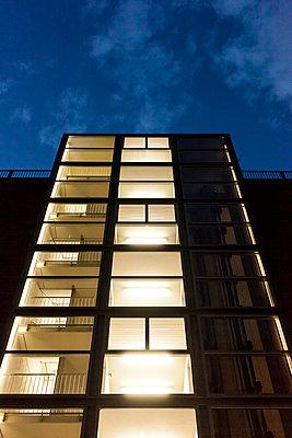 Leuchtendes Treppenhaus - p1611m2196302 von Bernd Lucka
