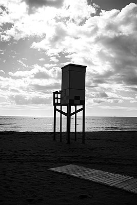 Bay watch tower at the beach in the evening, Malaga - p1681m2283664 by Juan Alfonso Solis