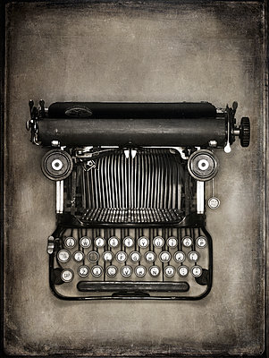 Old typewriter - p509m1486667 by Reiner Ohms