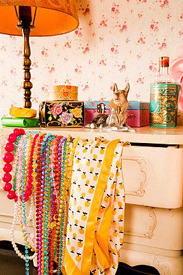 Kitsch Stillleben - p9040039 von Stefanie Päffgen